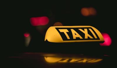 Comment obtenir la carte de professionnelle de chauffeur de taxi?